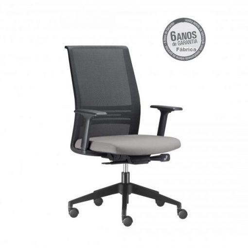 Cadeira Agile com sem apoio de cabeça 2 510x510 - Poltrona Presidente Agile